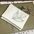 リボン刺繍のポケットティッシュカバー・・・すずらん (送料無料)
