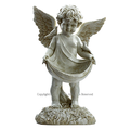 小鳥を肩に乗せた天使の置物