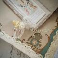 ワックスフラワー小花のブローチ