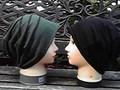 """62  """"緑と黒のボーダー""""と""""黒""""のリバーシブル帽子"""