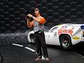 LeMans miniatures 1/32 フィギュア 132056m◆カメラマンのティエリー Cameraman, Thierry レジン製・高級フィギュア★ルマンのピットで仕事をするTVクルー!
