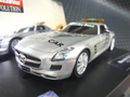 "Carrera 1/32 スロットカー  27347◆AMG SLS MERCEDES  ""F1 SAFETY CAR""  フラッシュ・ライトバー    アナログ仕様が登場!★ライトバーが光る!"