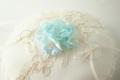 リングピロー イニシャル刺繍 petite rose blue 2