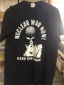 Nuclear War Now! KEEP DISTANCE Tシャツ (Midiumサイズ)