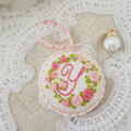 イニシャルY :花刺繍メジャーとピンクッションのセット