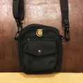 theories bag lanturn shoulder pack BLACK