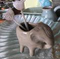 カンボジアの象の置物
