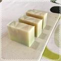 コケモモバター soap(レギュラーサイズと2/3サイズの2種類)