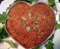 キャロブとゴボウのケーキ (骨型クッキー付)