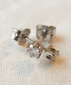 Single Birthday Stone Pierces Pt900/0322
