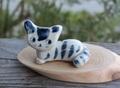 キュートな1点もの! 手びねり猫(箱座り猫)箸置きE(陶器製)