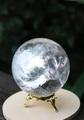 鏡面のようなレインボー入り! 天然水晶 70ミリ丸玉