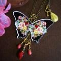 薔薇模様の蝶バッグチャーム