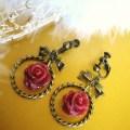リボンと薔薇のフープイヤリング