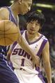 田臥勇太、NBAでのプレーゲーム中の3!