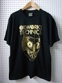OILWORKS TECHNICS in HIMEJI TEE [BLACK/WHITE]
