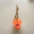 ミニジュエル型バックチャームオレンジ1