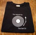 『The last DJ Black Table』 半袖デザインTシャツ(ブラック)