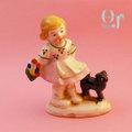 オキュパイドジャパン 猫とあそぶ少女 磁器人形