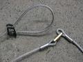 イノシシ退治の罠(くくり罠)       より戻し・戻り止めつきククリ罠  4mmワイヤー物  1組