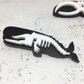 ホネホネ・ブローチ「マッコウクジラ」