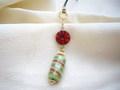 クリスマスキャンディーと赤いアンティーク風ビーズの帯飾り