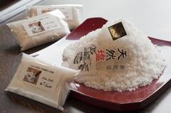 四季味亭ふじや・楓音で使用している奥能登の天然塩