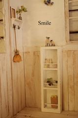 古い木のマガジンラック&小さな羊さん親子