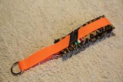 ハーフチョーク豹柄ネオンオレンジ