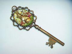 お花うさぎさんの秘密の鍵ネックレス