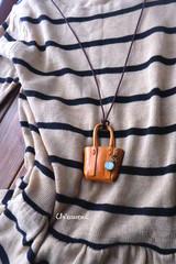 デキル男のトートバッグネックレス
