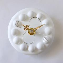 白い時計(9.5cm)