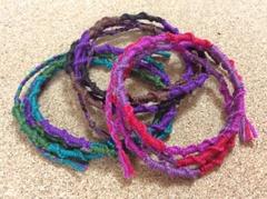 3色輪結びのロングミサンガ