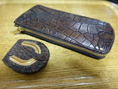 クロコダイル革:ラージクロコ使用(ヴィンテージ仕上げ)長札財布