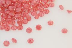 ダイヤカット7×4 紅 キュービックジルコニア