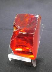 天然ジルコン原石・レッド85,4G(スリランカ産)