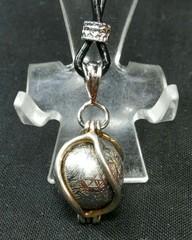 ギベオン(鉄隕石)スフィア・ペンダントトップ/アイアンメテオライト(約11,8G)ナミビア産