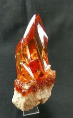 天然ジルコン原石・ゴールド~レッド333,3G母岩付き(スリランカ産)
