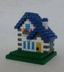トンガリ屋根の家BW