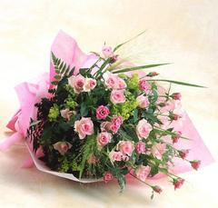 キュートなバラ色の花束