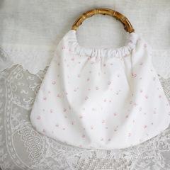 バンブーハンドルのバッグ*リリィホワイト・ロンドンローズ