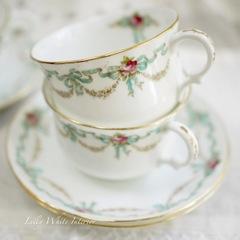 *アウトレット*Adderleys アダレイ ブルーのリボンとバラのカップ&ソーサープレートのトリオ