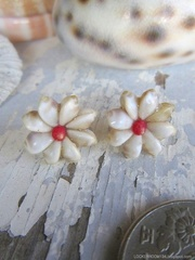 Zakuro Shell Flower pin pierce No,11