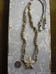 Olive Flower Top Green Mongo Necklace