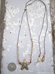 Olive Flower Top kahelelani & Zakuro Shell Necklace