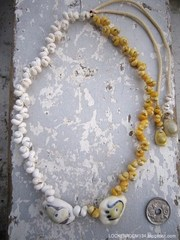 SNOOPY TOP Mongo Shell Necklace