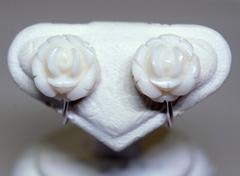 白サンゴ バラのSVイヤリング