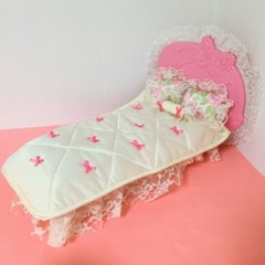 ●SOLD●バービー 1987 Ribbons & Roses Bed