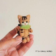 羊毛猫人形(きじとら猫*薄緑のケープ)