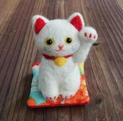 お馴染和風の招き猫(白猫☆左手招き)
